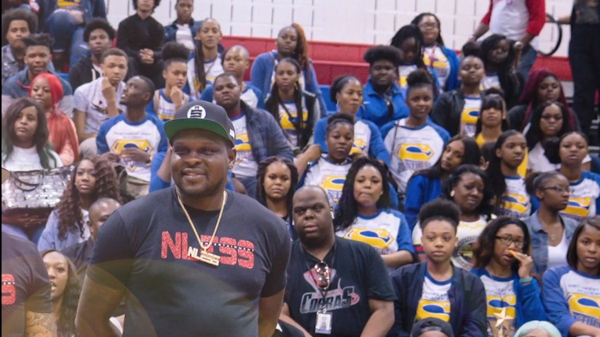 Former Grizzlies star donates $10,000 to feed SCS students and families.