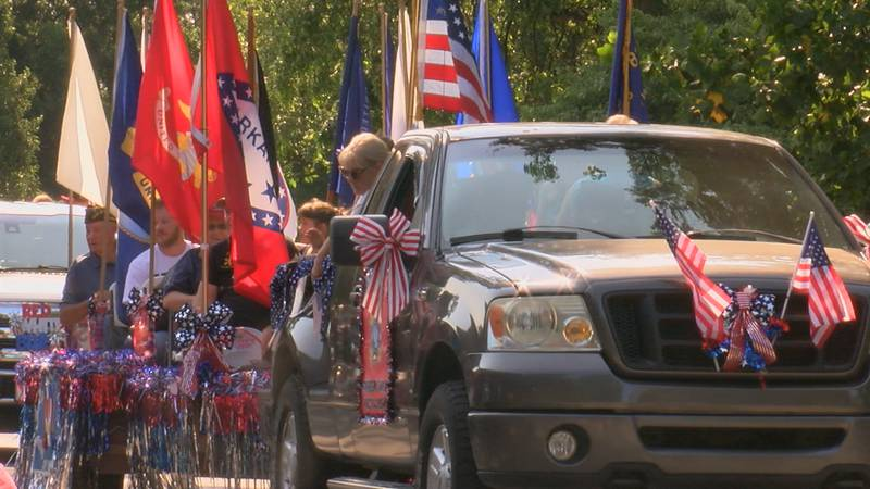 A parade was held on the town's major streets to kick off the festivities.