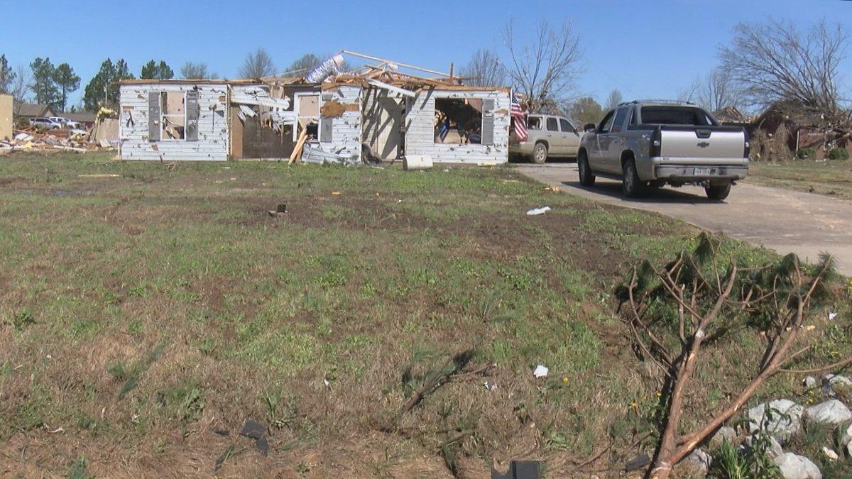 EF-3 tornado rips through Jonesboro