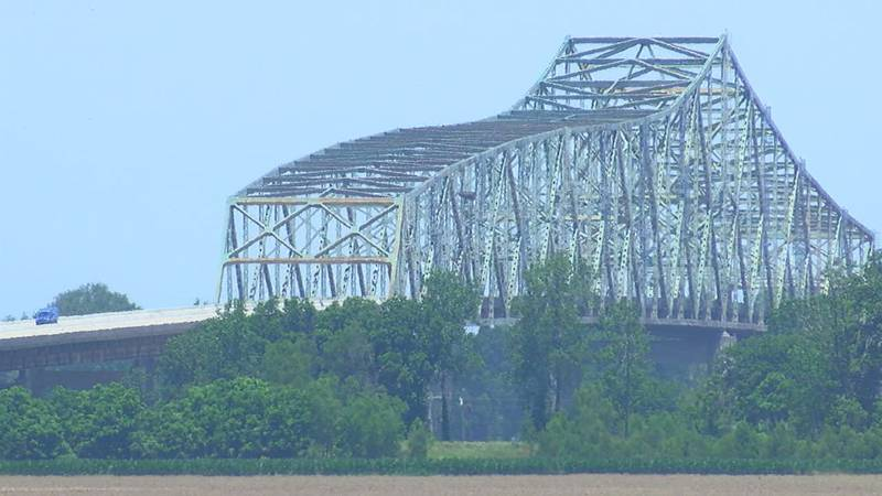 The Tennessee-Missouri Bridge opened in 1976
