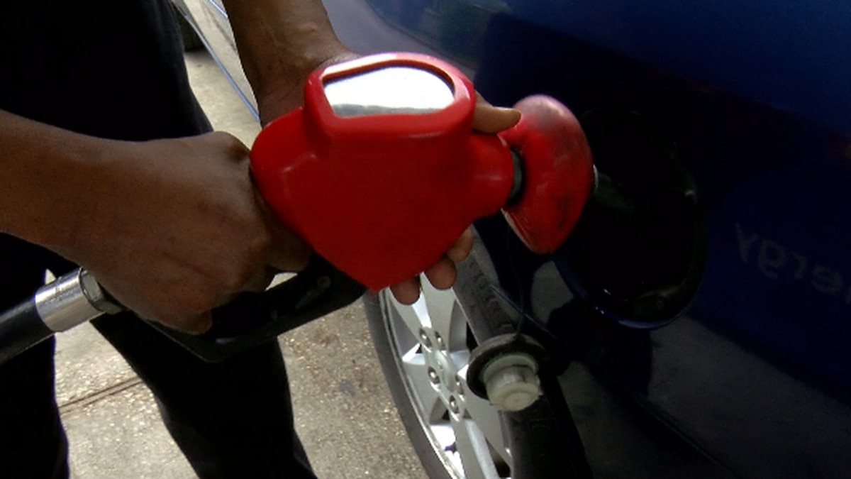 A driver fills up his vehicle at a New Orleans gas station.