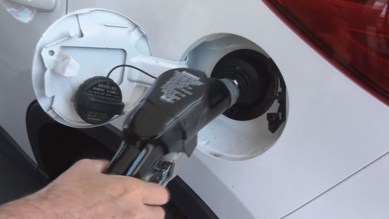 While temperatures have heated up, analysts say gas prices appear to be cooling off.