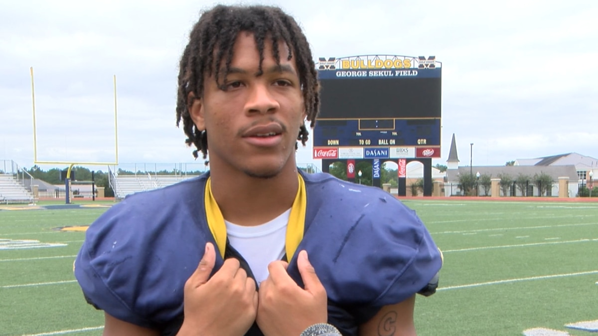 Former Alabama & Mississippi Gulf Coast CC defensive back Scooby Carter committed to Arkansas...