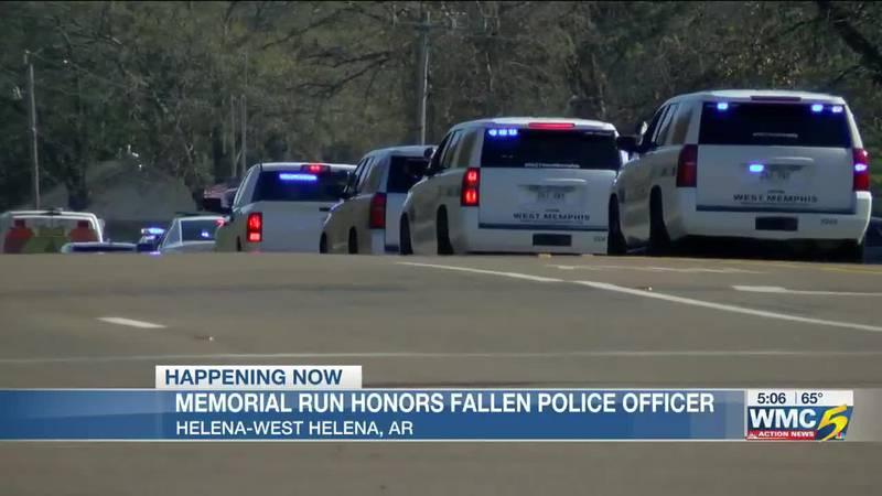 Arkansas law enforcement officers honor Officer Travis Wallace