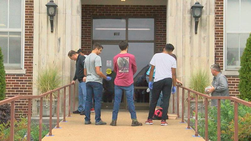 Nettleton High School students out in the community volunteering during homecoming week.