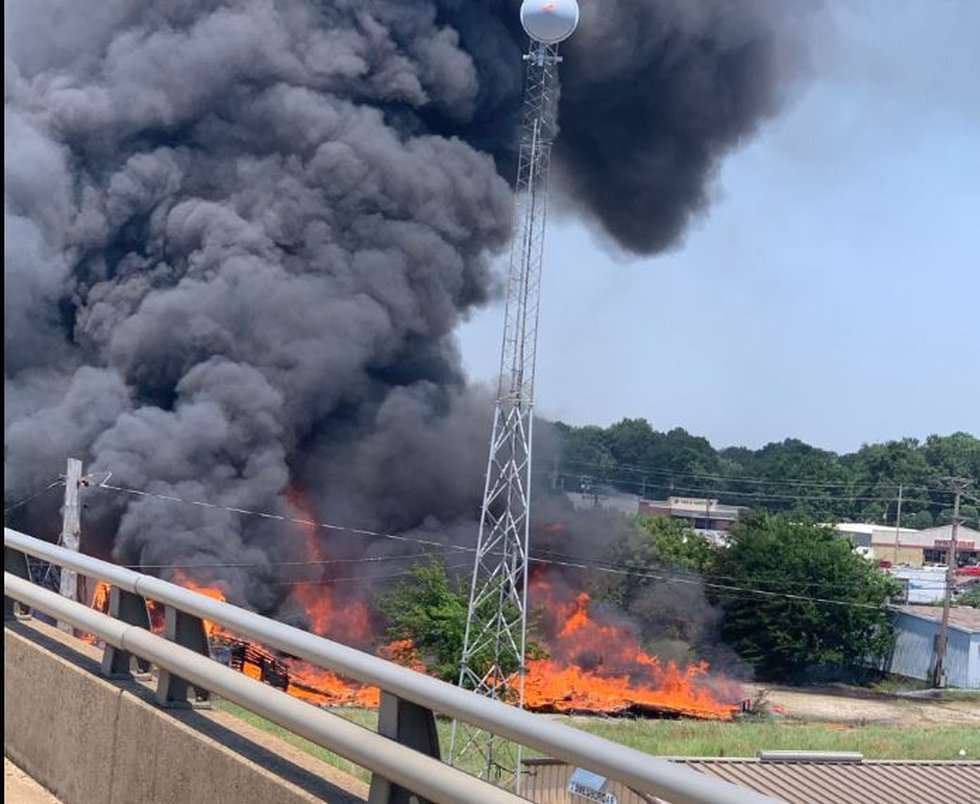 Jonesboro firefighters responded Friday afternoon to a large building fire near downtown.