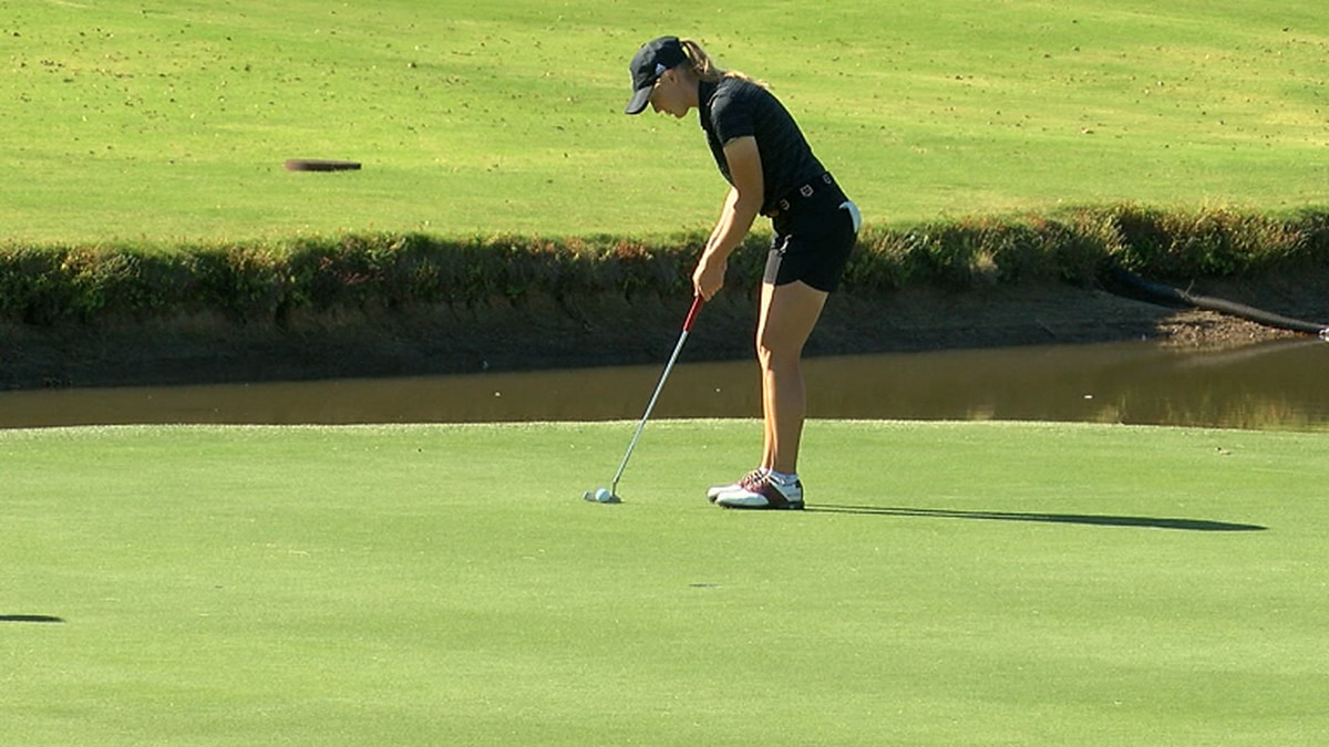 Grayson Gladden lines up a birdie putt in the 2020 Lady Red Wolves Classic.