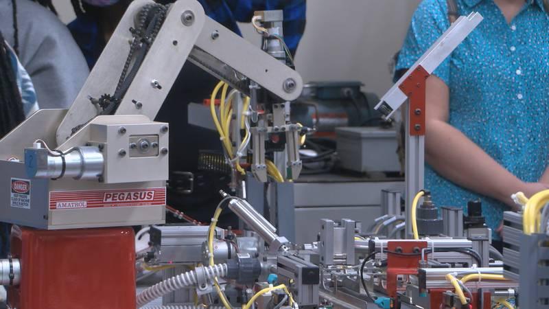 Manufacturing Day at ASU- Newport 10-51-2021