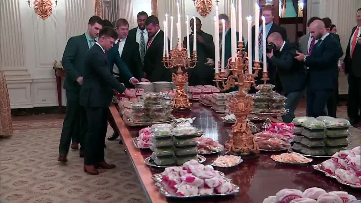 President Trump personally pays for Clemson Tigers' championship fast food feast