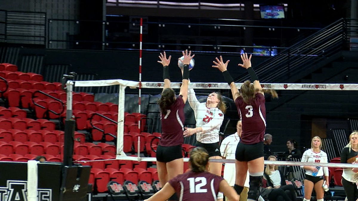 Arkansas State volleyball player Macey Putt delivers kill in November 5th matchup vs. Little...