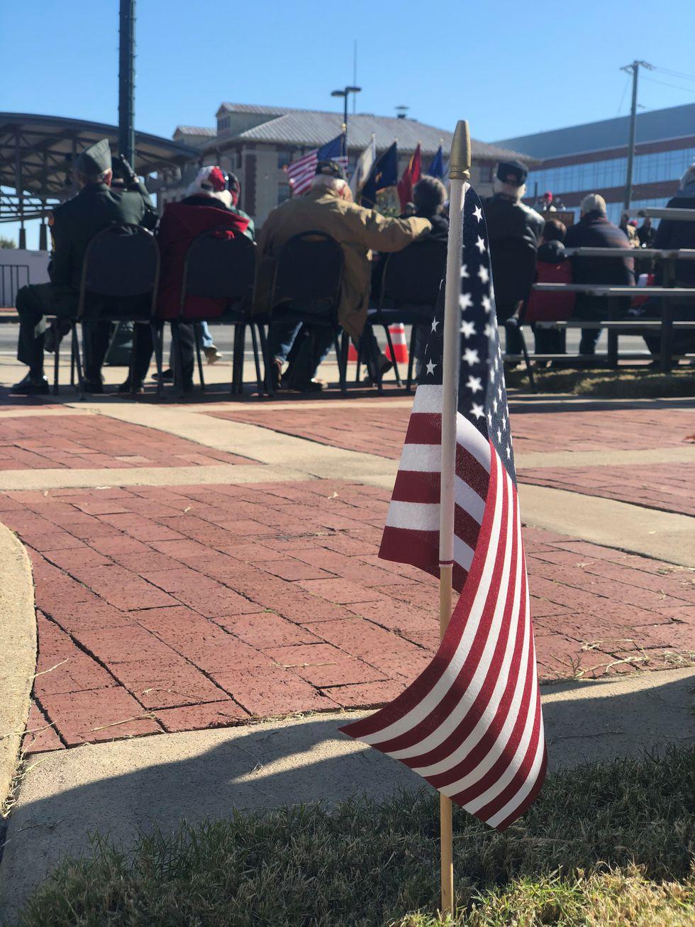 Hundreds participate in Jonesboro Veterans Day parade