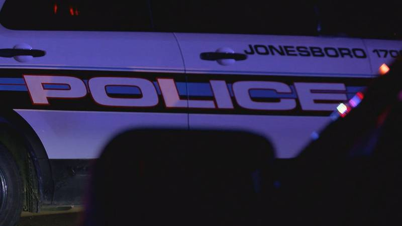 Jonesboro Police searching for two suspects after shooting on Belt St.