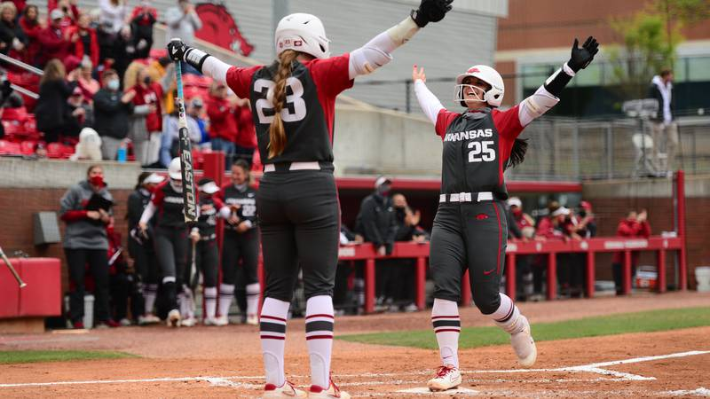 Razorbacks get back into the win column with a 4-0 victory over Alabama