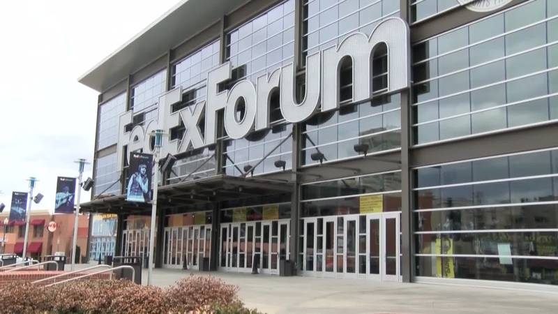 Hoops fans from across the country started trickling into town with big plans, mostly to be in...