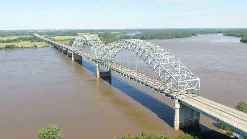 Drone video shows closed I-40 bridge over Mississippi River