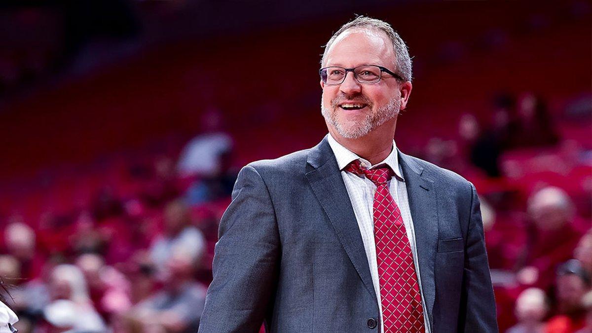 Arkansas head women's basketball coach.
