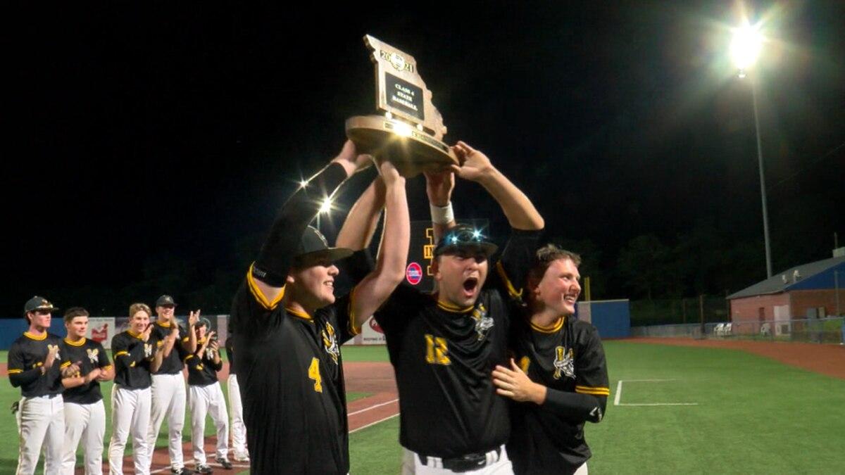 Kennett baseball celebrates after winning 2021 MSHSAA Class 4 State Championship