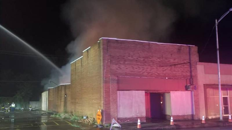 Crews were called to an early morning building fire in downtown Kennett on Saturday, July 31.