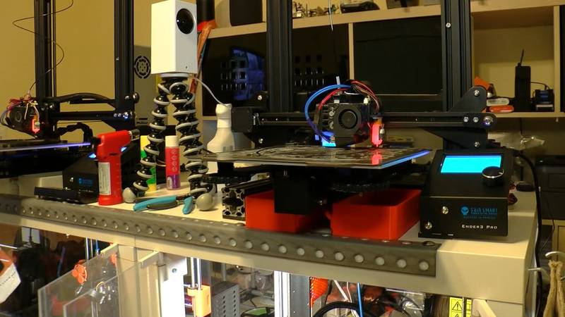 Mid-South Makers using 3D printers to make masks